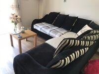 L-Shaped sofa (black)