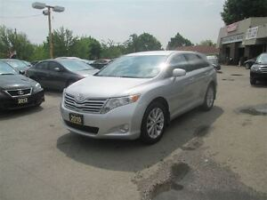 2010 Toyota Venza LEATHER, SUNROOF.