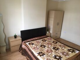 Spacious Double Room very Bright& Airy
