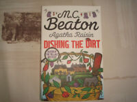 Agatha Raisin Dishing the Dirt - M.C.Beaton - used paperback book, post or collection