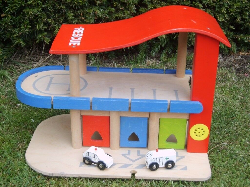 Early Learning Centre/ Brio/ Bigjig Compatible Rescue Centre