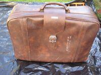 Large-Medium Samsonite Brown Simulated Leather Suitcase