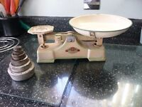 VINTAGE S.I.F KITCHEN SCALES&CAST WEIGHTS