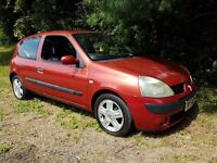 great little cheap runner 2005 renault clio 1.2 perfect first car new mot