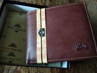 Men leather wallet. Tony Perotti