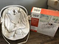 Baby bouncer 0-6. Months hardly used in box