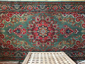 Stunning oriental rug / carpet in warm colours