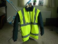 HI-VIS REVERSIBLE QUILTED BOMBER JACKET NEVER WORN. SIZE LARGE.