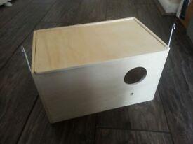 Breeding Nest Box for Cockatiel, Budgie, Lovebird