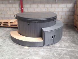 Round Hot Tub with Rattan storage