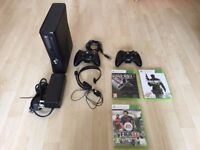 Xbox 360 Slim Console 250GB 2 controllers FIFA Call of Duty Minecraft Skyrim perfect uni present