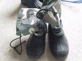 Boys Snow Boots Size 4