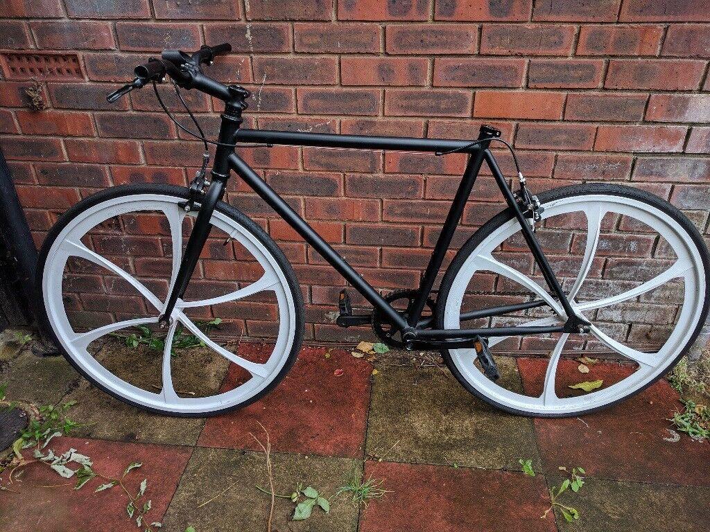 Matt Black Fixie Bike. Medium Frame
