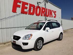 2009 Kia Rondo LX Package***DETAILED AND READY TO GO***