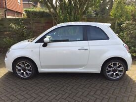 White Fiat 500s full service history. Immaculate inside and out. Genuine offers only.