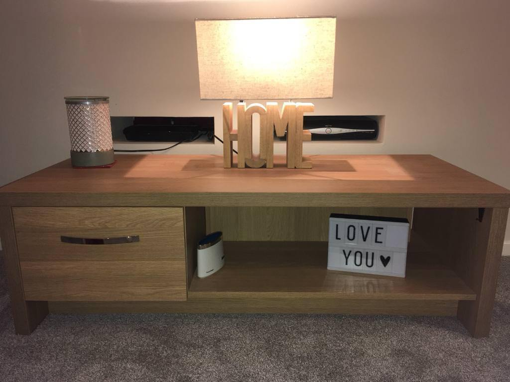 Tv unit and lamp.