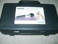 MR ENTERTAINER KAROAKE MICROPHONE AND CARRY CASE