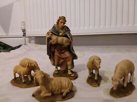 Nativity set - hand painted - very good quality