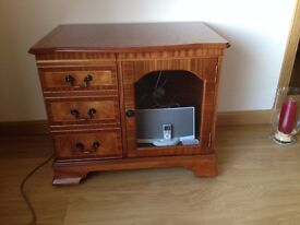 Hi FI cabinet in excellent condition