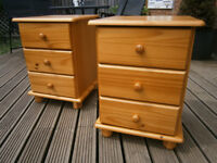 Pair Of Farmhouse Solid Pine Bedside Tables / Drawers In Excellent Condition