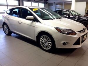 2012 Ford Focus TITANIUM/HATCH/LEATHER/LOADED!!