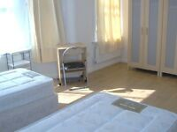 Amazing and spacious twin room -80 POUNDS per person, all bills included