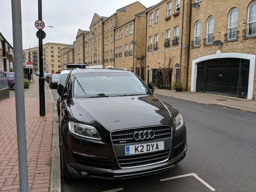 Audi Q Highend Model With All Extrasfull Dealer Service History - Audi high end model