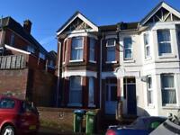 6 bedroom house in Tennyson Rd, ,