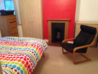 Great sized double room in 2 bedroom flat!!!