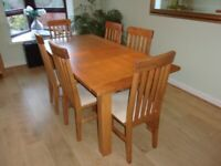 Oak dining table and 6 chairs - Reid Furniture - excellent condition