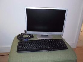"""19"""" LCD Computer monitor and full size keyboard incl cables"""