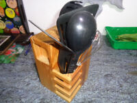 Kitchen tool set in a pine wooden block