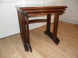 MAHOGANY NEST OF 3 TABLES