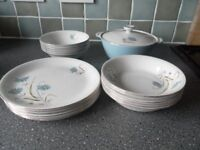 Vintage Rare Alfred Meakin tablewear. 20 pcs 6 plates, 6 soup bowls, 6 desert bowls , tureen and lid