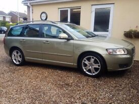 Volvo v50 1.6d se comes with full service history inc cambelt change only £30 per year road tax