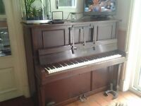 Piano/ pianola (Aeolian) 1920s with over 125 music rolls
