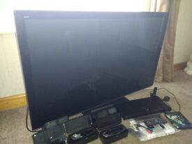 3D TV and DVD player with 4 sets of glasses