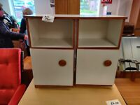 Pair of bedside cabinets drawers units