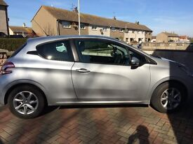 PEUGEOT 208 1.4HDi (70BHP) IDEAL FIRST CAR!! EXCELLENT CONDITION!! LOW MILEAGE!!