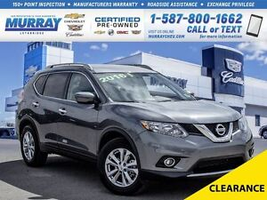 2016 Nissan Rogue **Only 3800 kms!  Like New!**