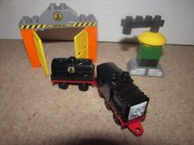 Mega Bloks Diesel At the Sodor Oil (Thomas the Tank Engine)
