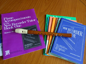 HORNER WOODEN DESCANT RECORDER + 9 (Recorder Music Books)