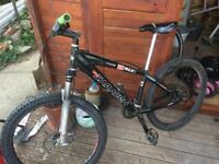 Mountain bike . Saracen £110