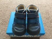 Boys Clarks Blue Shoes Size 7G