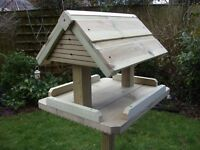 NEW - handmade quality bird table with roof - heavy duty - 157cm tall.