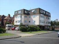 Delightful 2nd floor flat with sea views in Littlehampton close to town centre
