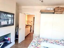 Rent Studio - Chingford Mount E4