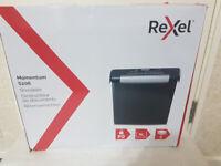 Rexel Momentum S206 Strip Cut Paper Shredder