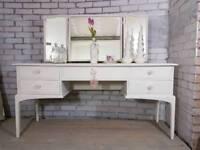 Beautiful Stag Minstrel 5 drawer dressing table & triple mirror