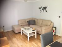 Small Double bedroom to rent in lovely flat